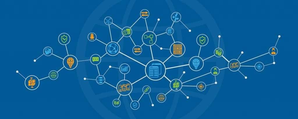Un blockchain es un libro público de información recopilada a través de una red que se encuentra en la parte superior de Internet.